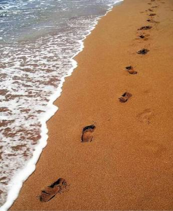 footprints_in_the_sand_op pbucket