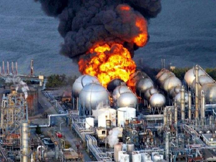 Fukushima-Daiichi-Nuclear-Plant-Explosion-Gratisparacelular.blogspot.com_